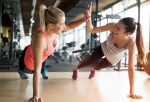 ダイエット方法③ 即効性重視の「二の腕簡単筋トレ」のやり方