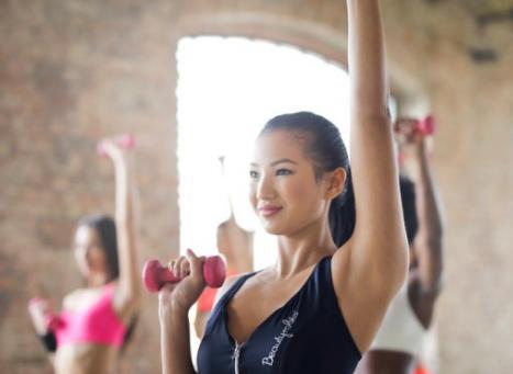 【1ヶ月で二の腕ダイエット】上腕三頭筋を鍛える理由とは?