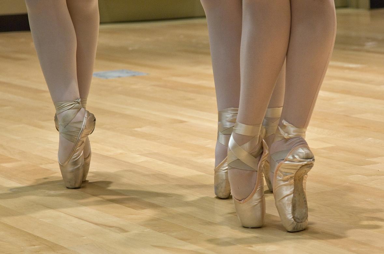 バレエダンサーに学ぶ!美脚になる筋トレの方法とは?